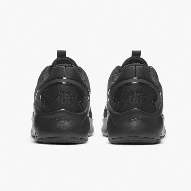 NIKE Обувки